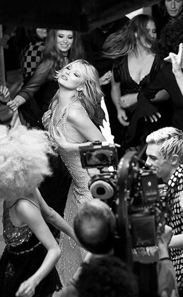 """Kate Moss filming VR ad for Charlotte Tilbury's fragrance """"Scent of a Dream"""""""